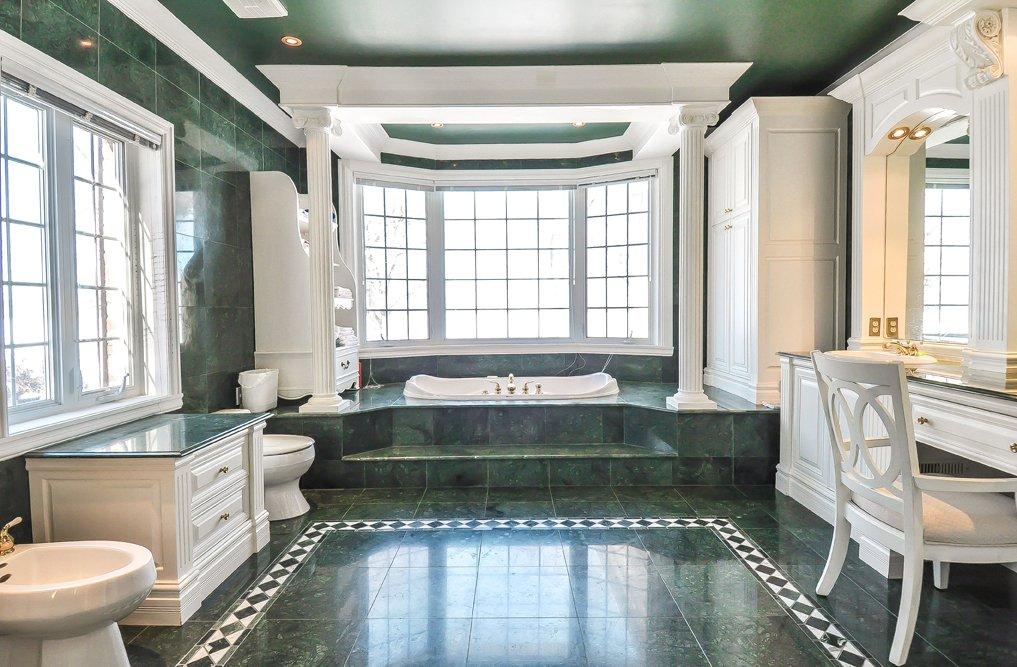 18 rue b lair l le bizard sainte genevi ve montr al h9e1r2 agence immobili re de luxe. Black Bedroom Furniture Sets. Home Design Ideas